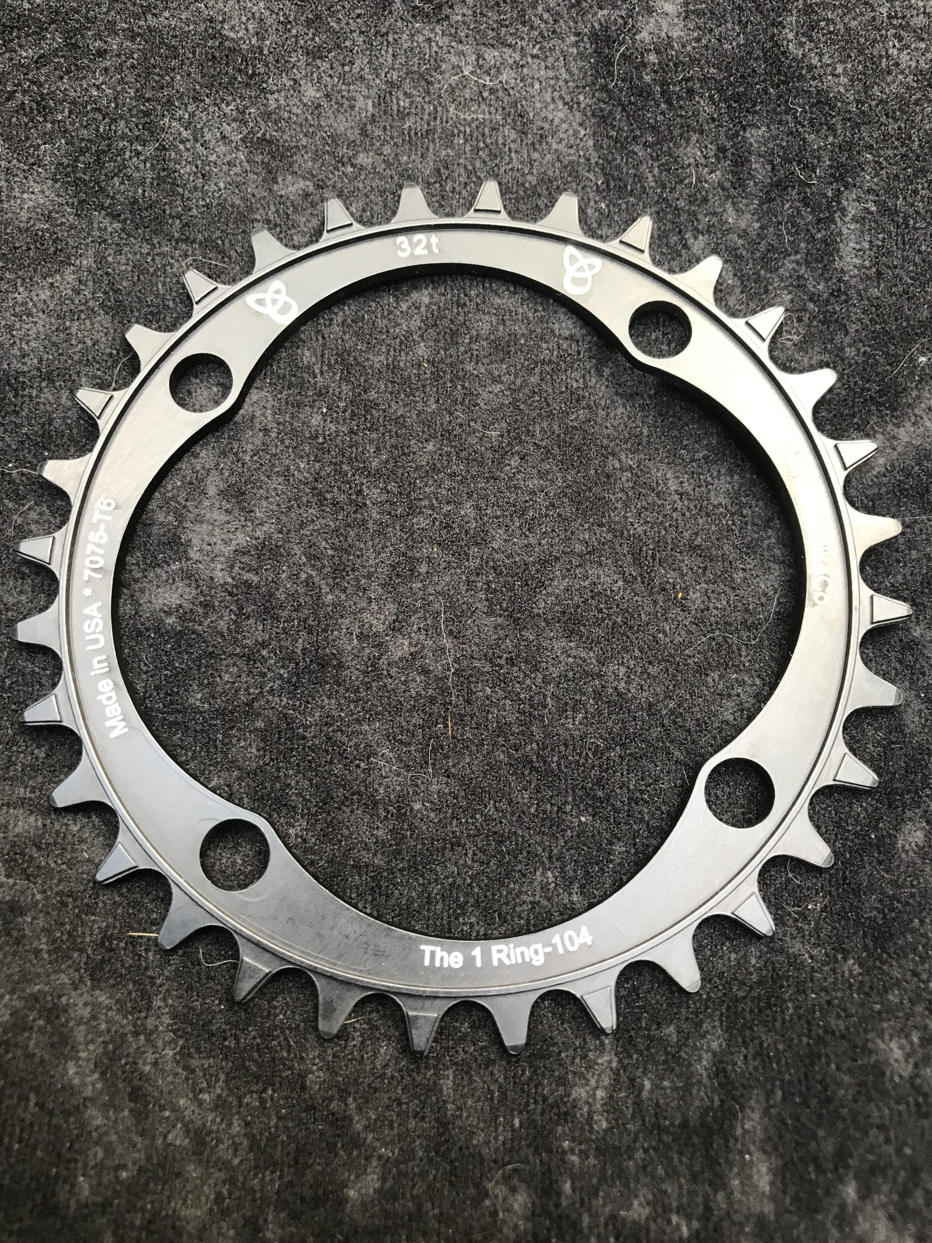 104 BCD chainring 32t black