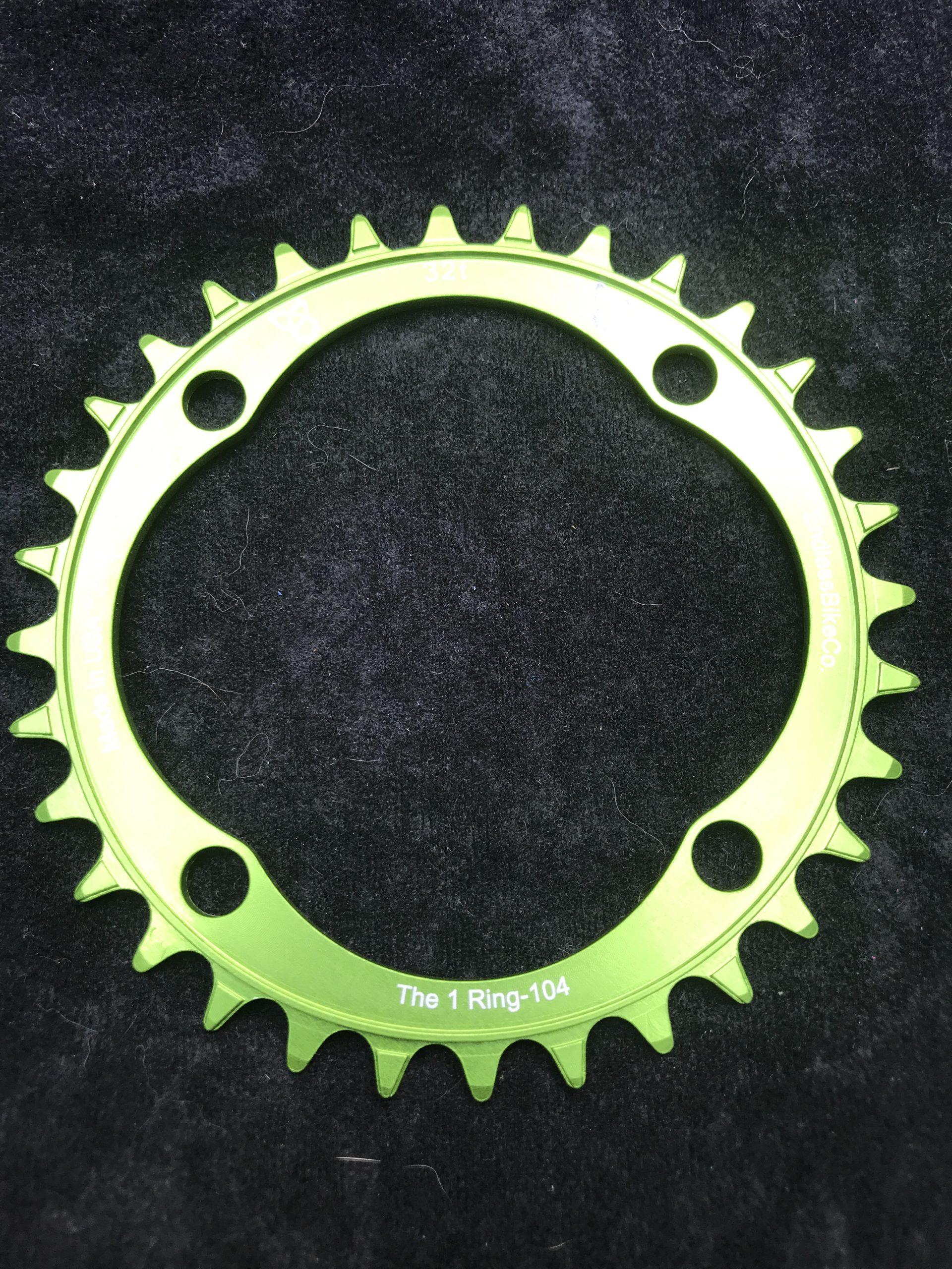 104 BCD chainring 32t green
